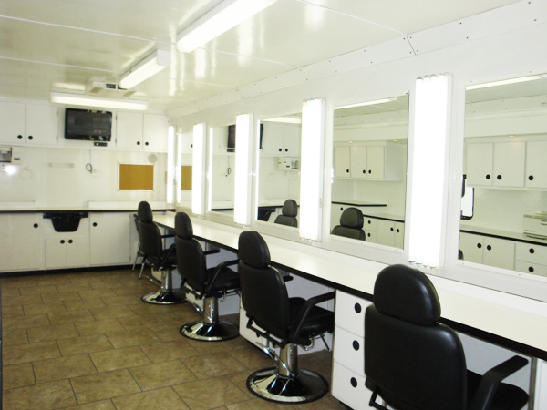 6 Station Slide Out Hair And Makeup Trailers Lightnin